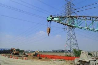 ↑採用低淨空全套管基樁克服台電161kv高壓電纜線之影響
