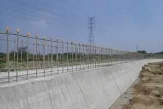 ↑東段標重力式擋土牆施工現況